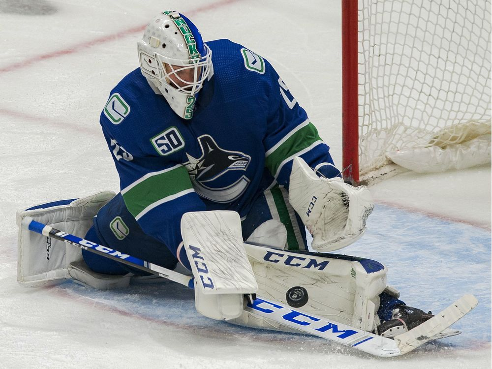 """""""I'm betting on the Oilers to sign Markstrom"""": NHL insiders say Edmonton in hot pursuit of big goalie"""